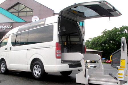 送迎仕様車(電動ステップ等)の福祉車両」|米沢市中古車販売のヤリミズ自動車